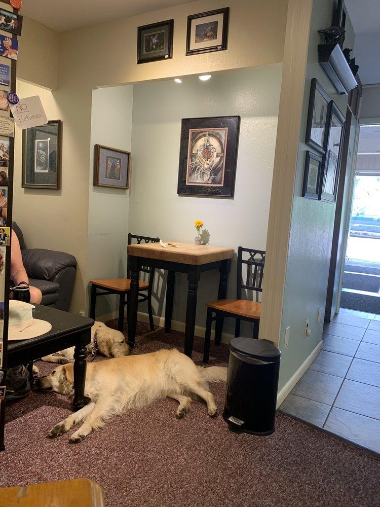 Raven's Roast Coffee Lounge: 157 W Elkhorn Ave, Estes Park, CO