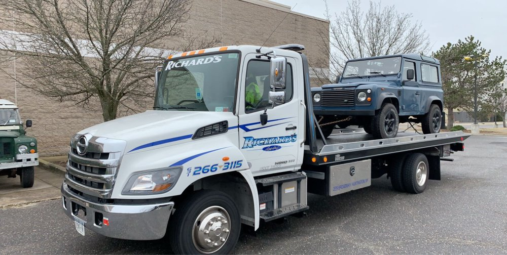 Towing business in West Babylon, NY