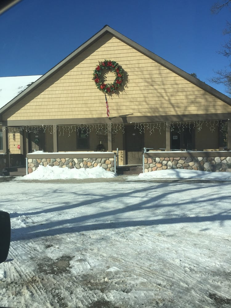 Indian River Veterinary Clinic: 5668 S Straits Hwy, Indian River, MI