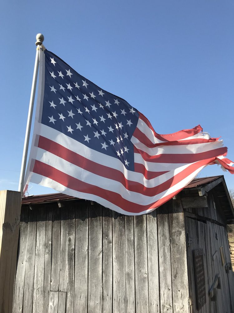 Cedar Ridge Farm: 400 Mayhew Rd, Scottsville, KY