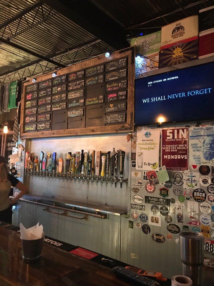 Village Idiot Pub: 4 Harrison St, Cocoa, FL