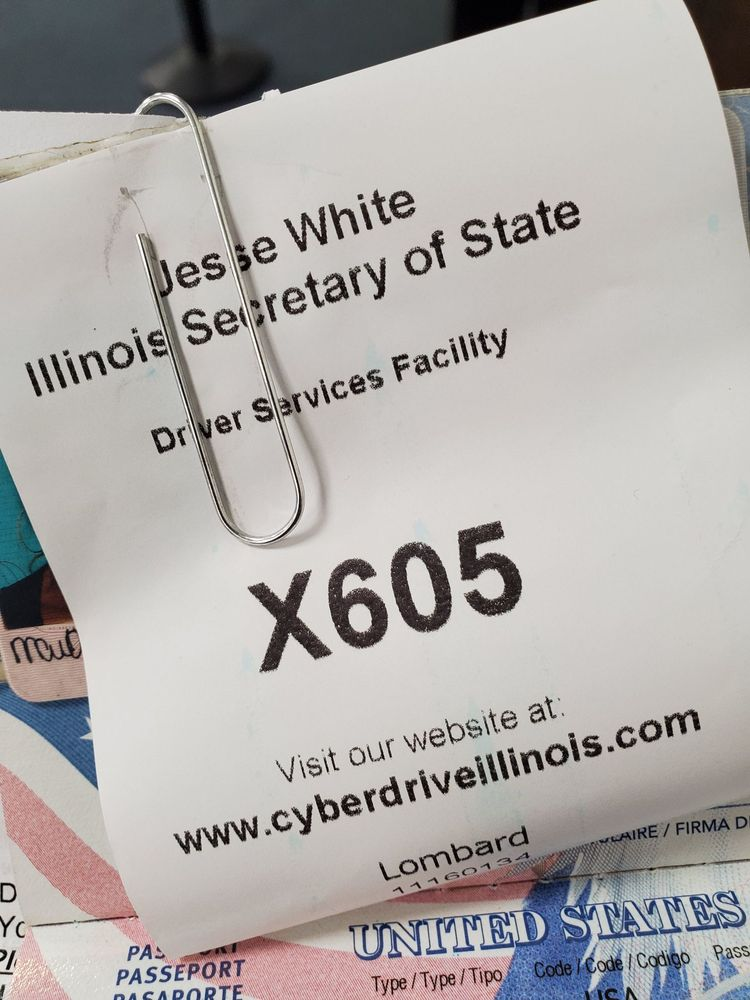 Secretary of State Drivers' Services Facility: 837 S Westmore Ave, Lombard, IL