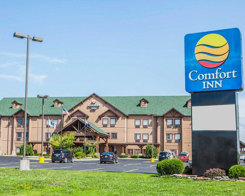 Comfort Inn: 1821 N Missouri St, Macon, MO