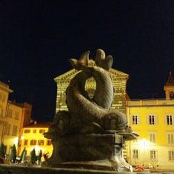 Piazza san francesco public plazas piazza san for Piazza san francesco prato