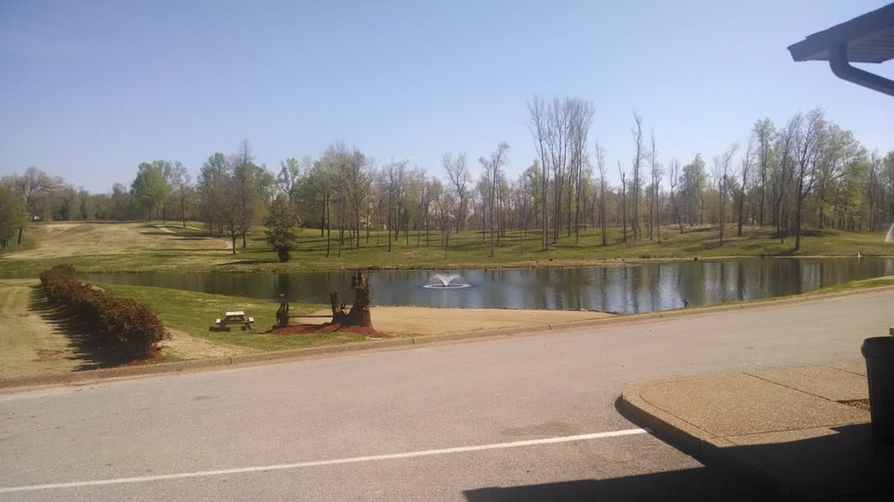 The Rustic Golf Course & Country Club: 1375 S Old State Rd 45, Rockport, IN
