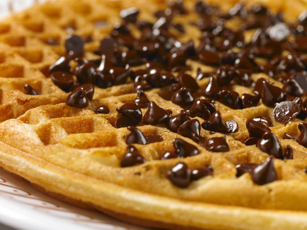 Waffle House: 104 E Church St, Sandersville, GA