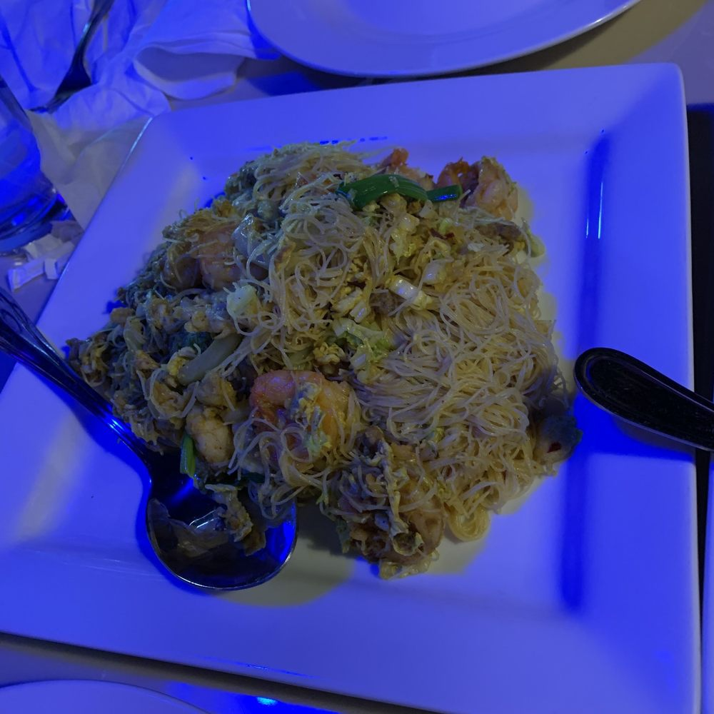 Ding How Asian Bistro: 6955 Old Canton Rd, Ridgeland, MS
