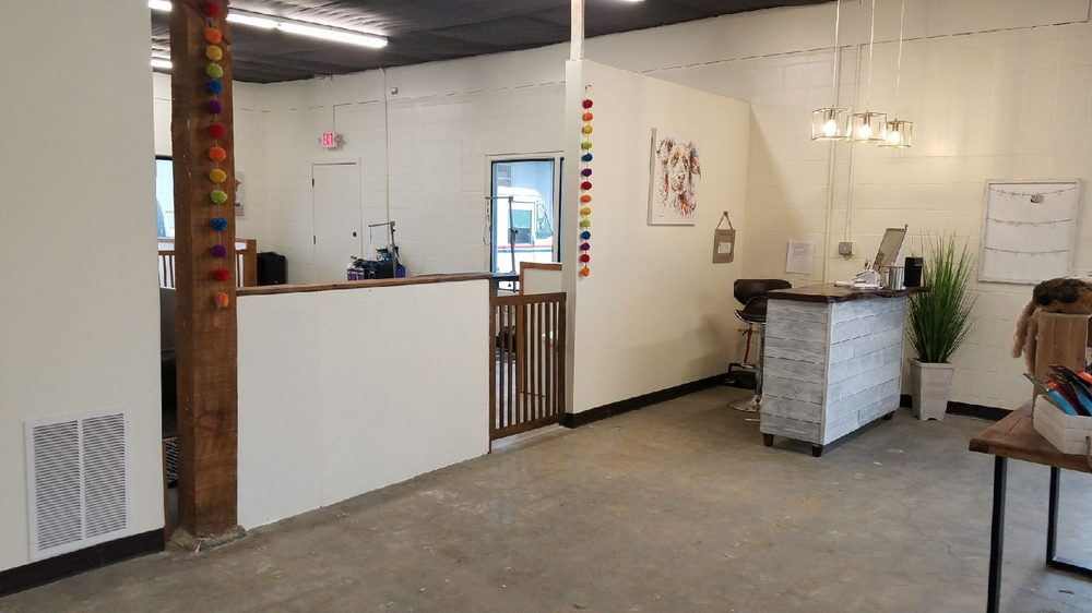 Ultimate Dog Grooming: 12501 SW Main St, Tigard, OR