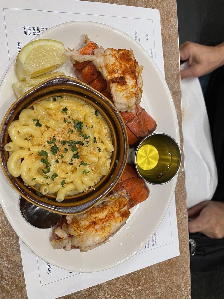 Pit Stop Diner: 49750 Seminole Dr, Cabazon, CA