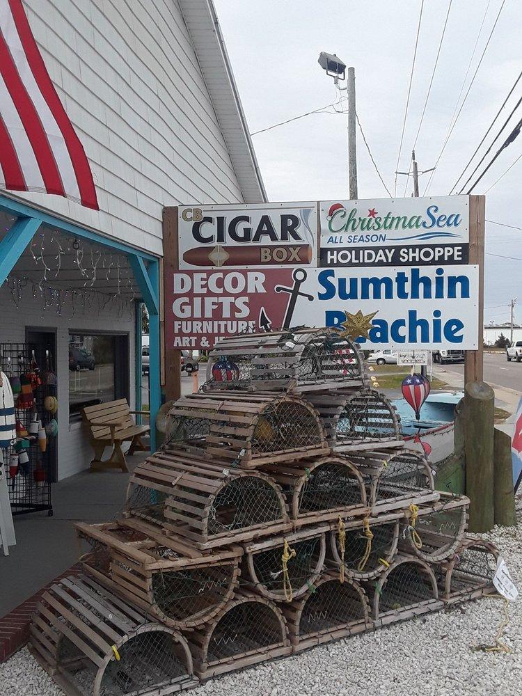 Sumthin Beachie: 809 N Lake Park Blvd, Carolina Beach, NC