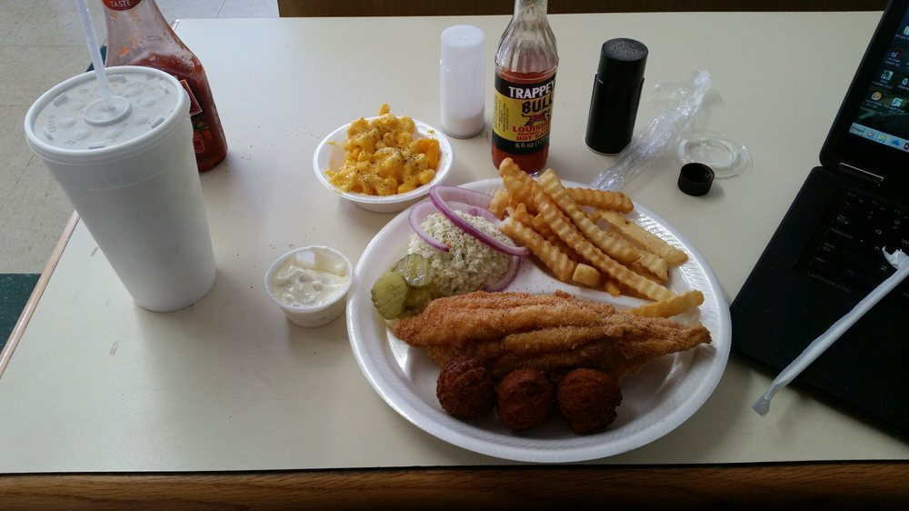 Food from Merl's Diner