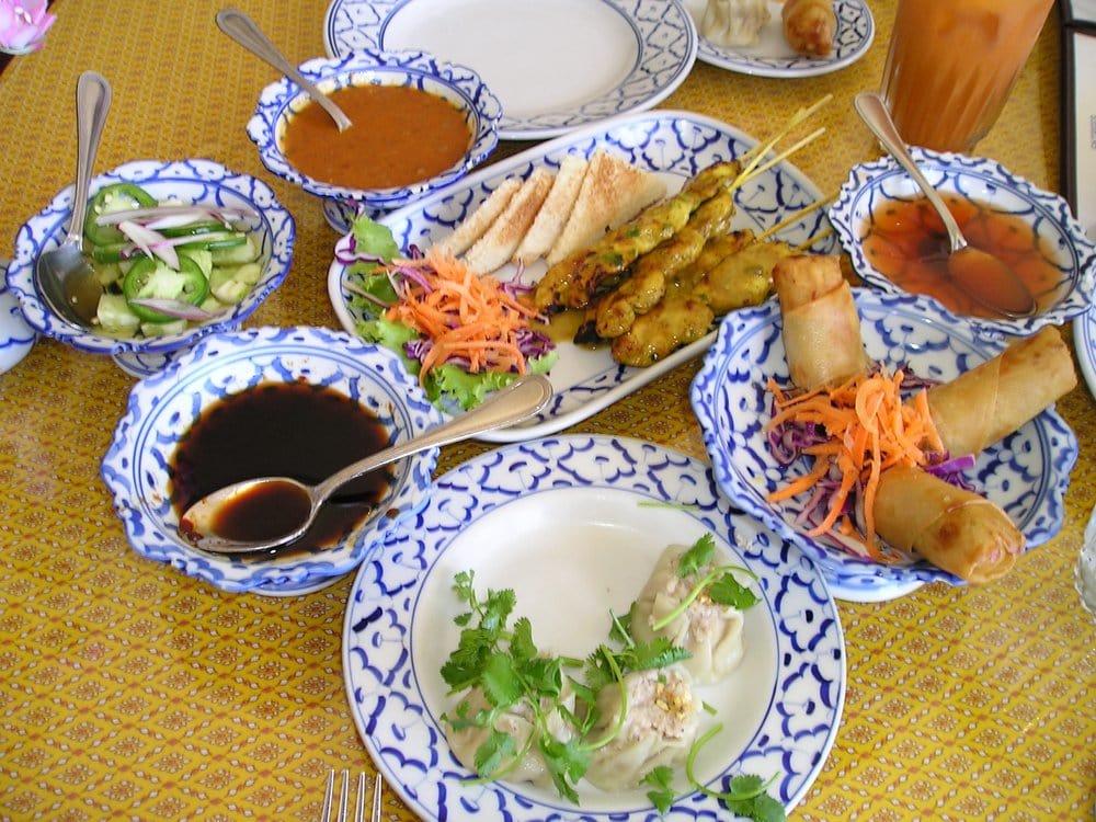 Tukta Thai Restaurant Info and Reservations