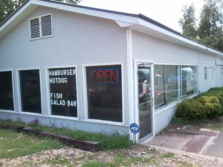 Annie D's: 123 N Broad St, Buena Vista, GA