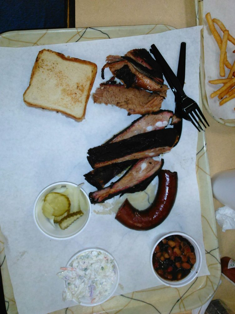 Brush Creek BBQ & Catfish: 3246 NW 32nd St, Newcastle, OK