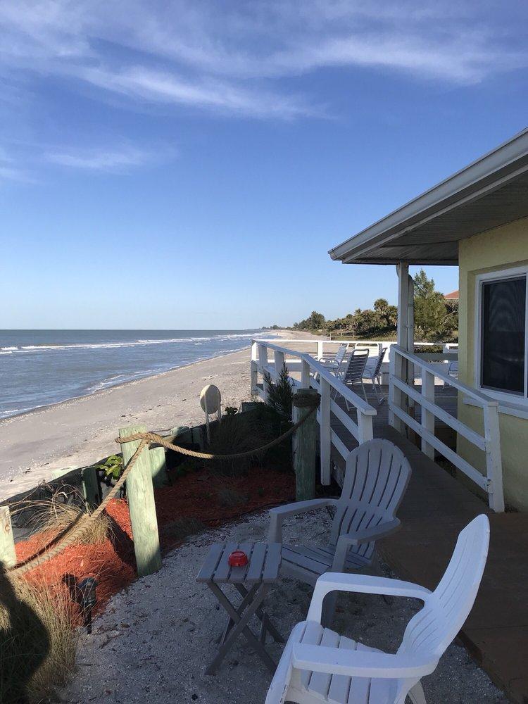 The Pearl Beach Inn: 7990 Manasota Key Rd, Englewood, FL