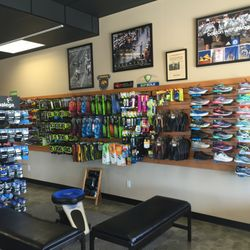 1e4caf0ce07 Vaux Shoes - Shoe Stores - 5635 Summitview Ave