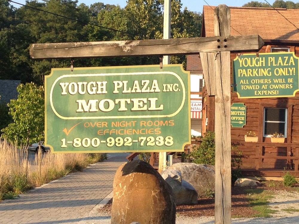 Yough Plaza Motel: 28 Sherman St, Ohiopyle, PA