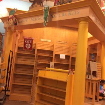 Barnes Amp Noble Closed 17 Photos Amp 32 Reviews