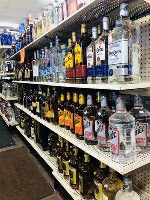 2017 Delano Retail Liquor - 1110 Maple Street, Wichita, Kansas, 67213