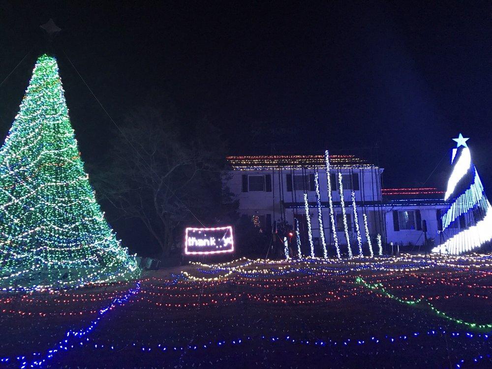 Christmas Spectacular On Main Street Cranbury NJ: 128 N Main St, Cranbury Township, NJ