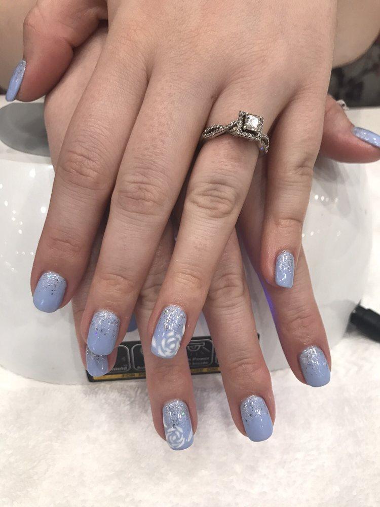Pretty Shellac Nails: Ombre Glitter With Shellac Manicure