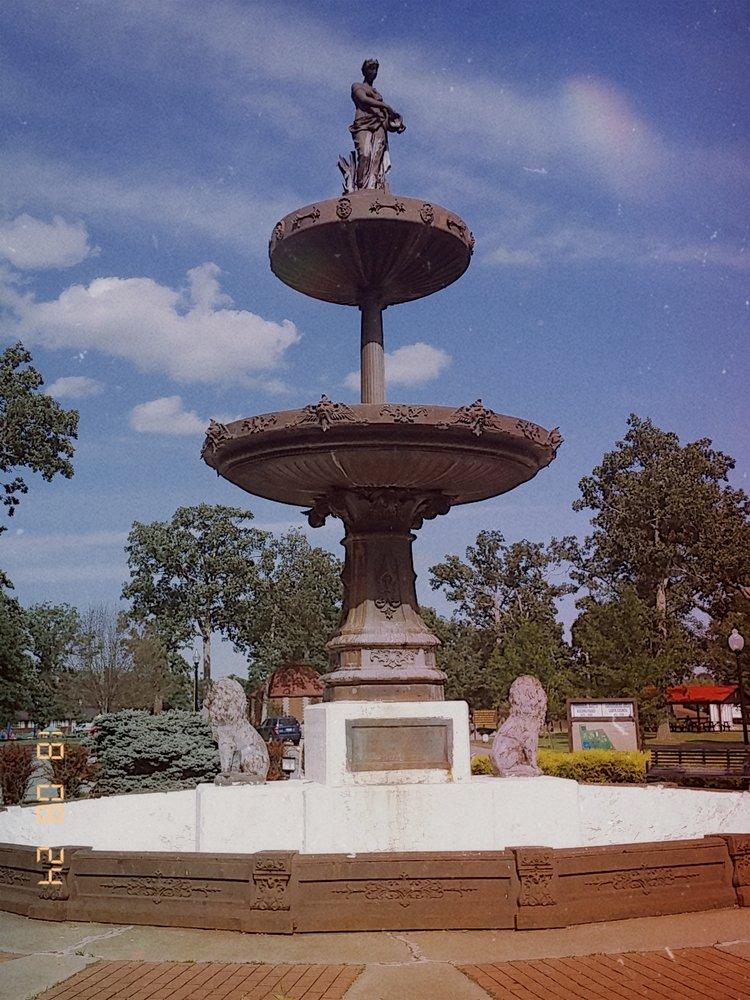 Parkersburg City Park: 1920 Park Ave, Parkersburg, WV