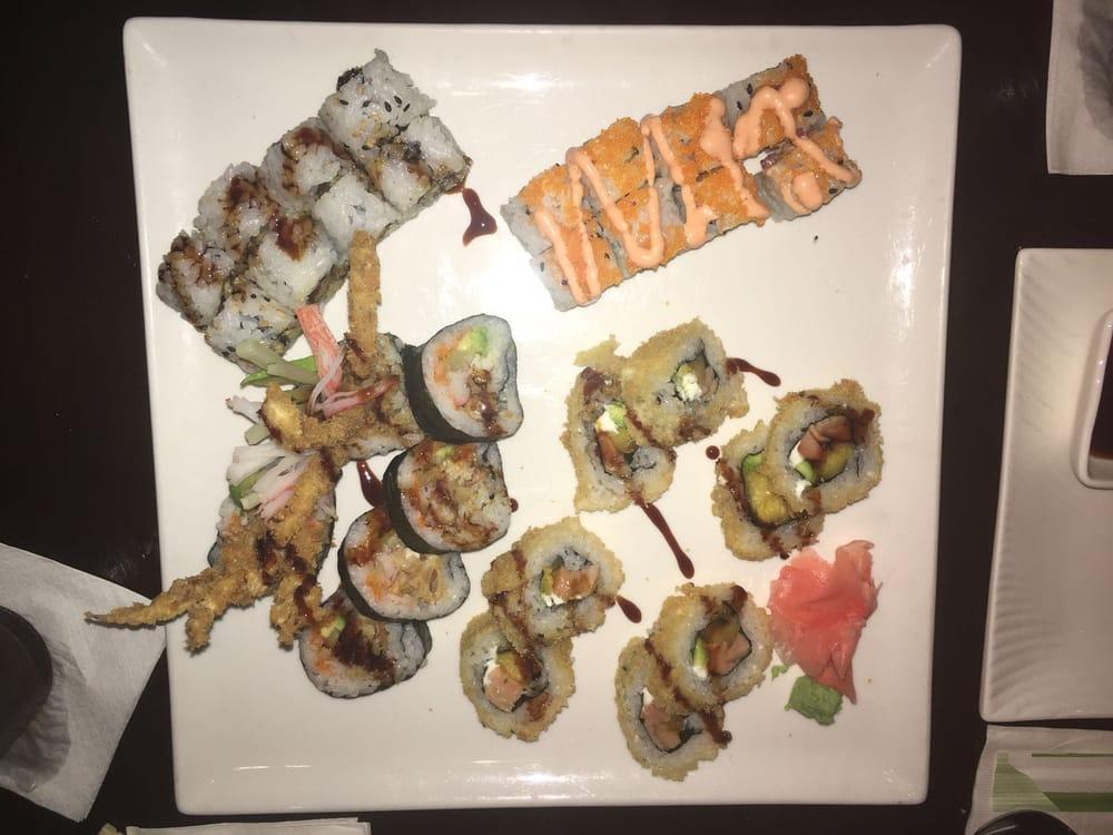 Fu Hou Sushi Bar & Restaurant: Trigal Plaza, Manatí, PR