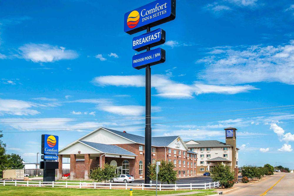 Comfort Inn & Suites Hays I-70: 1001 E 41st St, Hays, KS