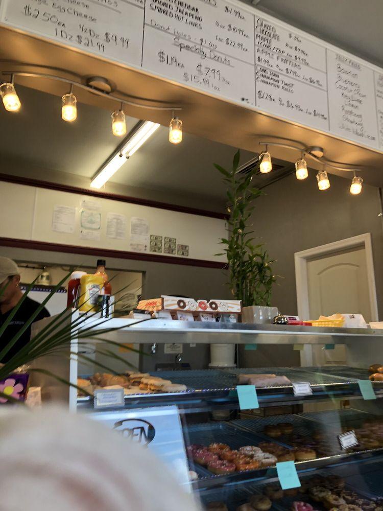 L&T Donuts and  Kolaches: 5364 S Suncoast Blvd, Homosassa, FL