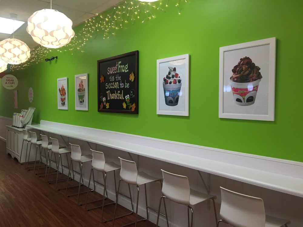 Sweet Frog Premium Frozen Yogurt: 281 Northland Ctr, State College, PA