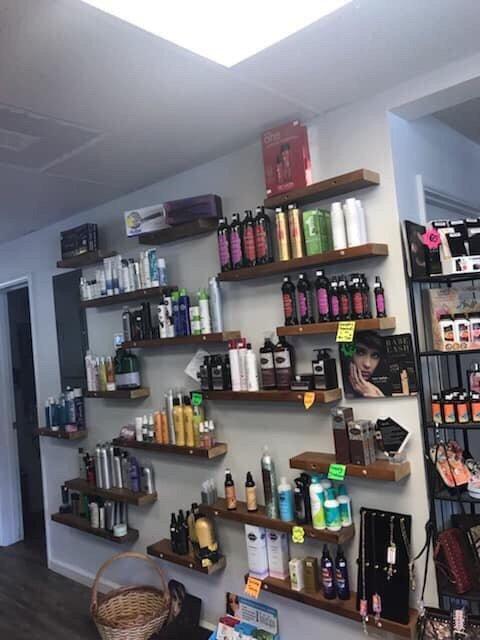 Salon On 5th: 24951 McCutcheon St, Veneta, OR