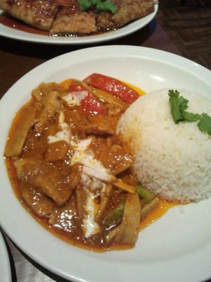 Thai Restaurant Near Tower Bridge Station