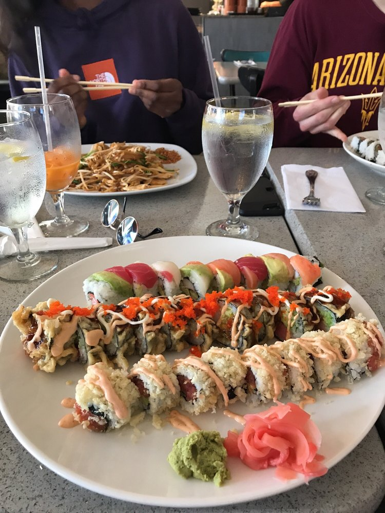 Wung Thai Restaurant And Sushi: 5545 Roosevelt Blvd, Clearwater, FL