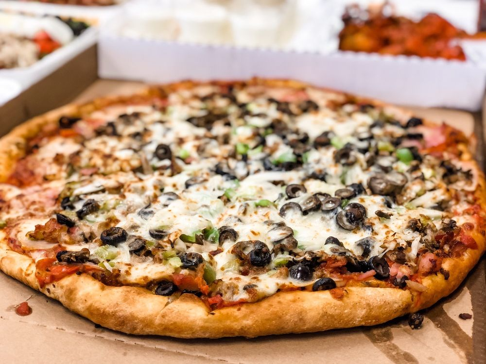 $5 Pizza Place: 65961 Pierson Blvd, Desert Hot Springs, CA