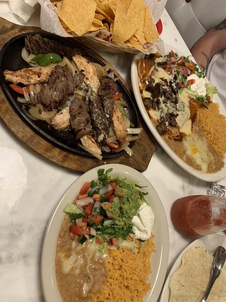 Pedros Taco & Tequila Bar: 6245 N Davis Hwy, Pensacola, FL