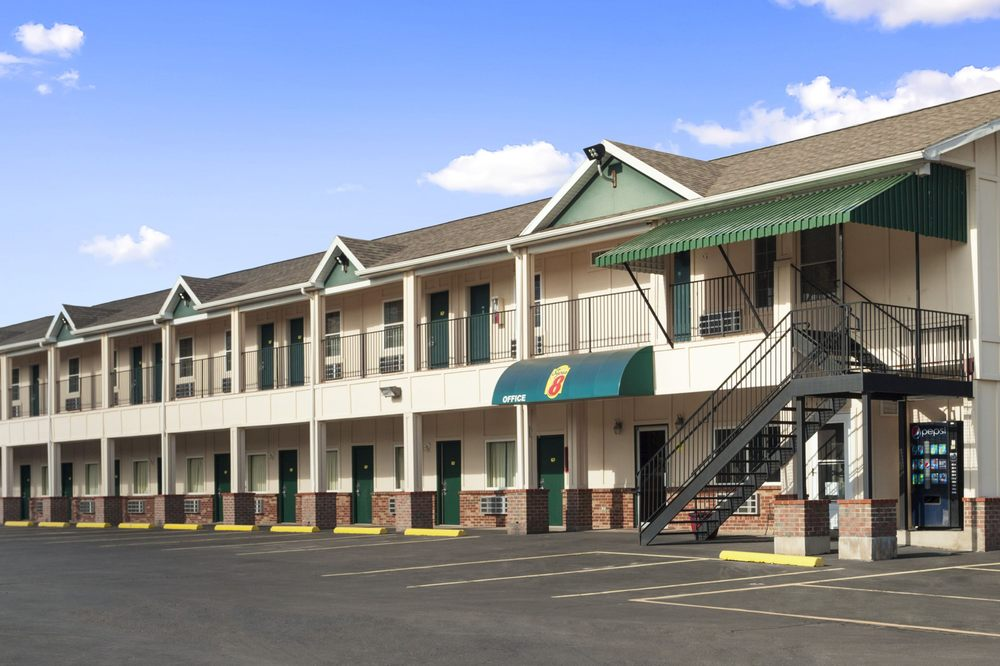Super 8 by Wyndham Mifflinville Near Bloomsburg: 450 West 3rd Street, Mifflinville, PA