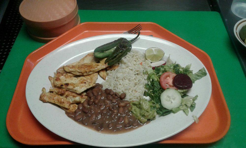 La Ceiba Restaurante Salvadoreño: 103 W Main St, Hyrum, UT