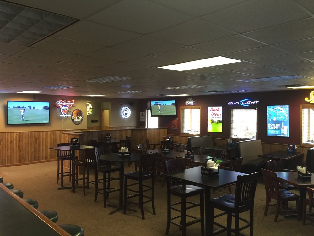 Rush Hour Bar and Grill: 605 Brookside Pkwy, Rush City, MN