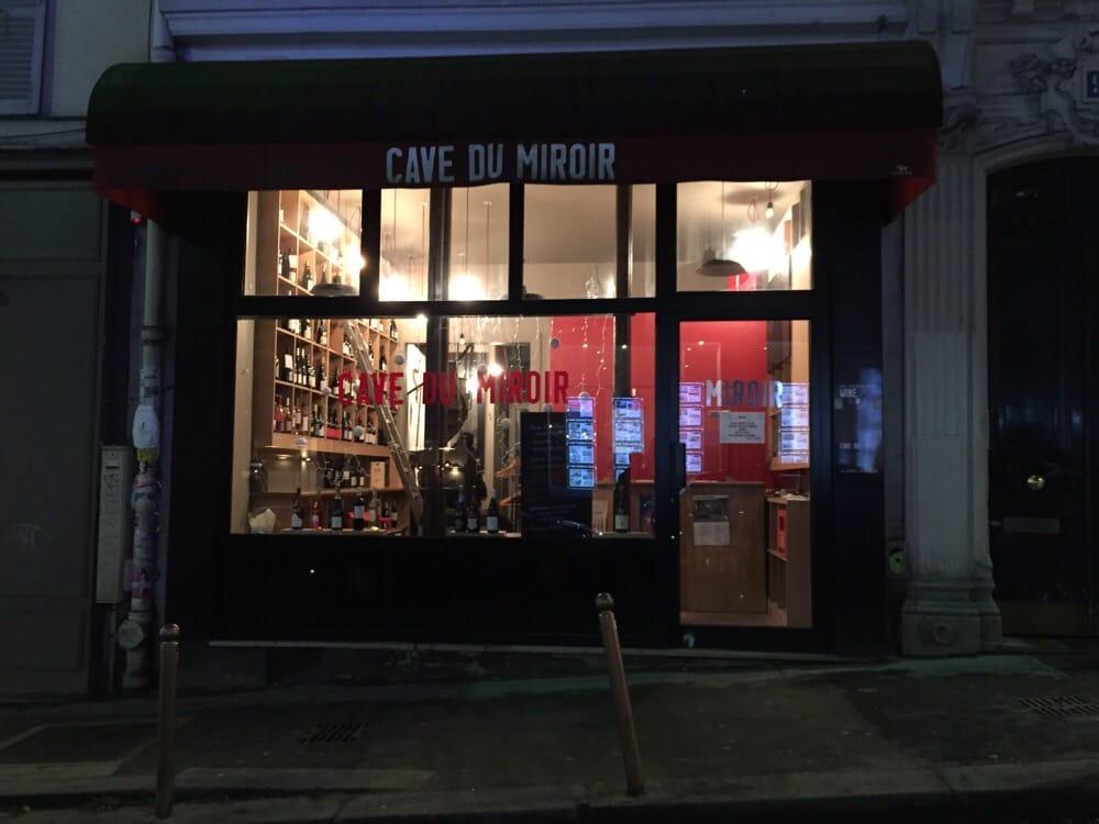 Cave du miroir l vin spritbutiker 91 rue des for Le miroir rue des martyrs