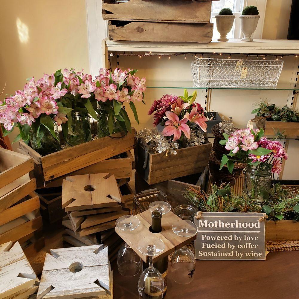 Beekeeper's Cottage: 42350 Lucketts Rd, Leesburg, VA