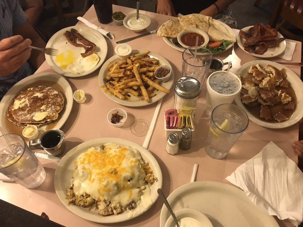 Lindy's Restaurant: 13425 Seagoville Rd, Dallas, TX