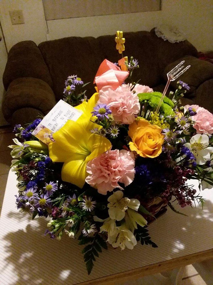 California Flowers & Weddings: 21 W 3rd St, Calexico, CA