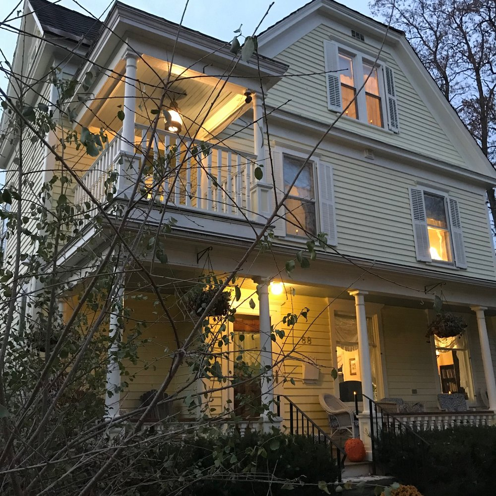 Cooperstown Bed and Breakfast: 88 Chestnut St, Cooperstown, NY