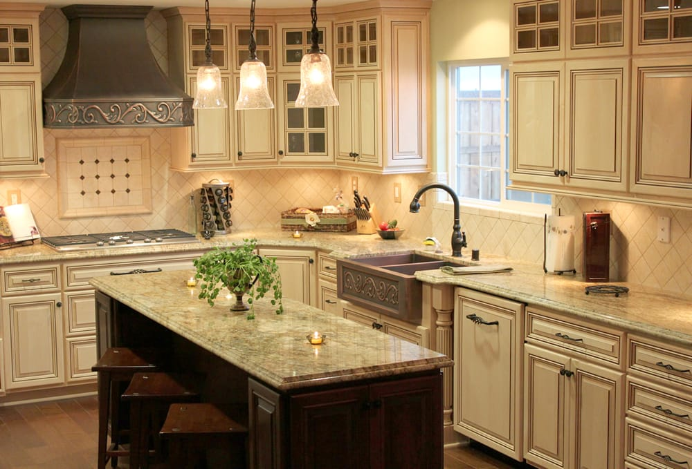 Kitchen Remodel With Traditional Style Maple Cabinets