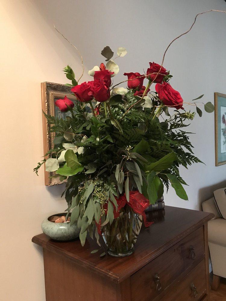 D' Agee & Co. Florist