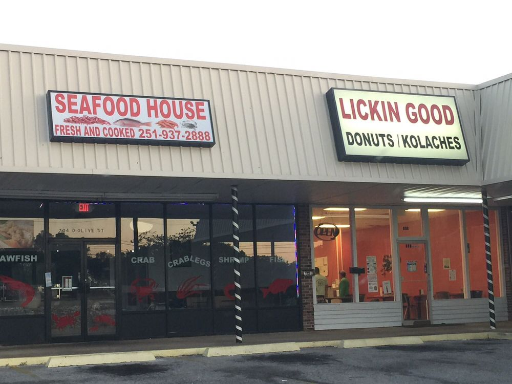 Lickin Good Donuts: 703 D'Olive St, Bay Minette, AL