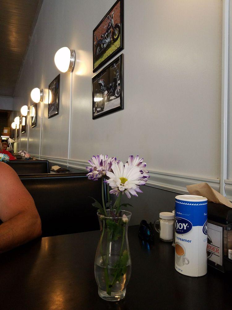 Terry's Cafe: 201 S Pruett St, Paragould, AR