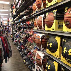 1d6b9bfa8abc Hibbett Sports - Shoe Stores - 1615 Montgomery Hwy