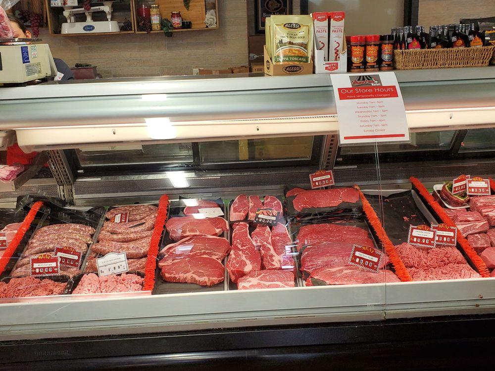 Lino's Market: 472 Main St, Durham, CT