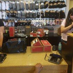 261c191d657ae2 Vans Outlet - 21 Photos   43 Reviews - Shoe Stores - 11620 Imperial ...